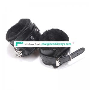 China wholesale High Quality PU leather Plush four colors sm toys leather furry Handcuffs